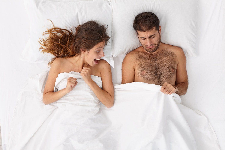 Sabah Erekte Olmuş Partnerini Gören Kadın Şaşırıyor